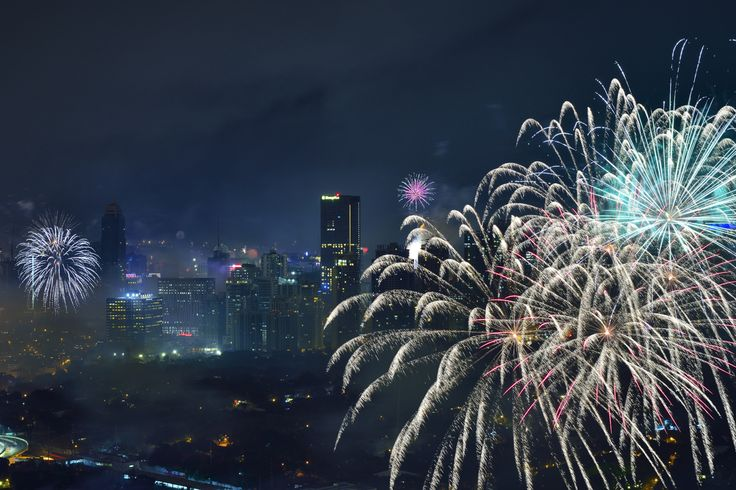 https://flic.kr/p/QyTmDE   New Year Fireworks and Smoke   Photographed in Makati City, Philippines