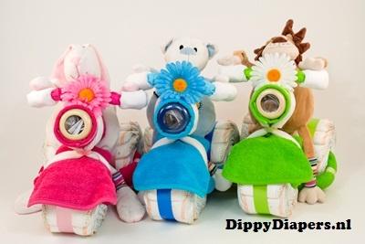 DippyDiapers.nl - Luiertaart Driewieler met knuffel  erg leuk idee..toch maar eens gaan proberen