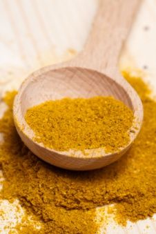 How to drop a dress size in 20 minutes  This is a super-potent wrap as the ginger stimulates circulation and reduces water retention, turmeric acts as an anti-oxidant and detoxifier, while rice removes dead skin cells and drains impurities through the skin's outermost layers.