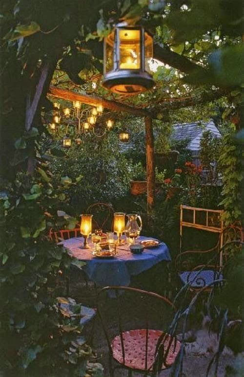 Patio Decorating Ideas - Making A Romantic Sitting Area