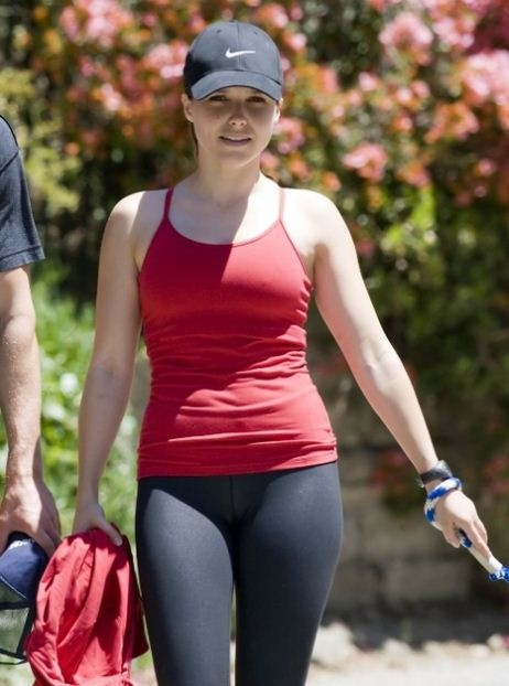 When I think of getting in shape, I think of Sophia Bush. She's healthy. Zero is not a size.