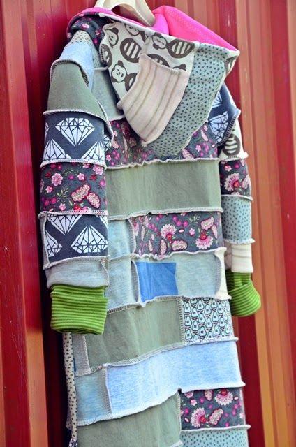 pulsinchen: Der Sweatshirt-Reste-Jelly-Roll-Patchwork-Decken-Spielanzug oder ganz einfach: Hallo Herbst!