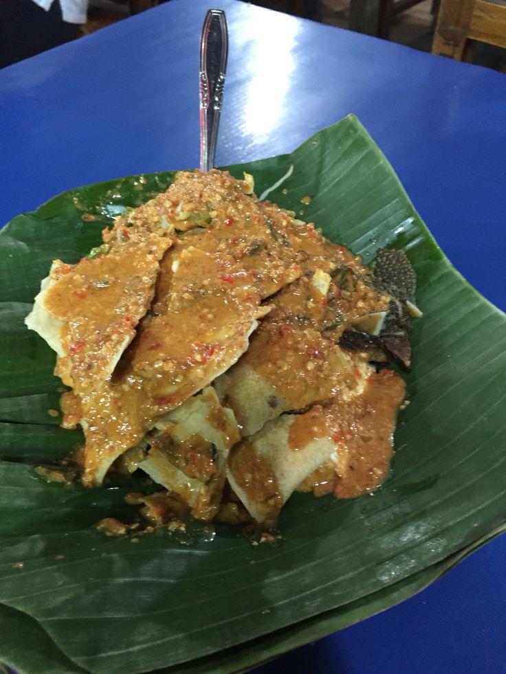 YUM!! having dinner with nasi pecel mbok sador, simpang lima, Semarang, Central Java. (more yummy with rempeyek ikan asin)