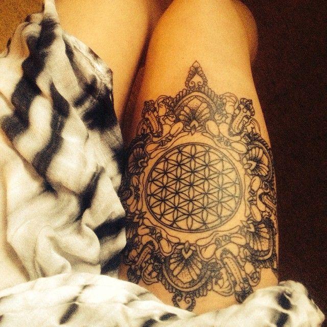249 best tattoo ideas mehndi paisley stippling. Black Bedroom Furniture Sets. Home Design Ideas