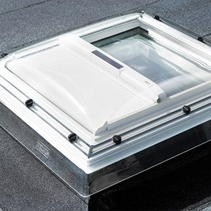 Store pare soleil pour fen tre coupole toits plats 60 60 237 euros 60 90 242 euros est ce - Store pare soleil ...