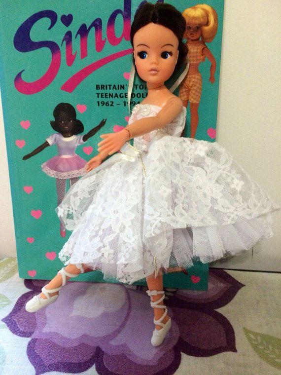 vintage 1970,s BRUNETTE ballerina PEDIGREE sindy doll ACTIVE sindy