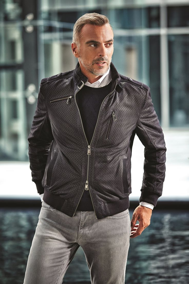 The harmony of fit cut black leather jacket with light grey jeans / Fit kesim siyah deri mont ile açık gri jeanin uyumu #man #karaca #menstyle #autumn #winter #fresh #pants #look #shirt #basic #jean #tshirt #jacket #coat #classical #sport #stylish #style #elegant #design #outfit #casual #smartcasual #business #businesscasual #formal