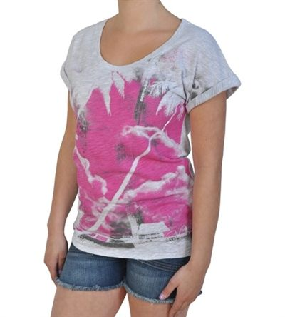 Rip Curl Girl Arco Iris Short Sleeve T-Shirt in Ashes Marle Grey (8 (S))     This Rip Curl t-shirt is screaming out for the hot sunshine, an endless sandy beach and a fruity cocktail. Team this womens white top with a pair of pretty flip flops and a pair of short cut off denims and youve got one of your holiday outfits sorted.  The girls Rip Curl Arco Iris t shirt features an exotic palm tree design in pink and grey colours and is a comfy loose fit. To add to the relaxed look, the Rip Curl…