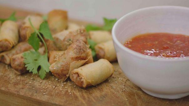 Eén - Dagelijkse kost - mini-loempia's met sweet chili saus 'maison'