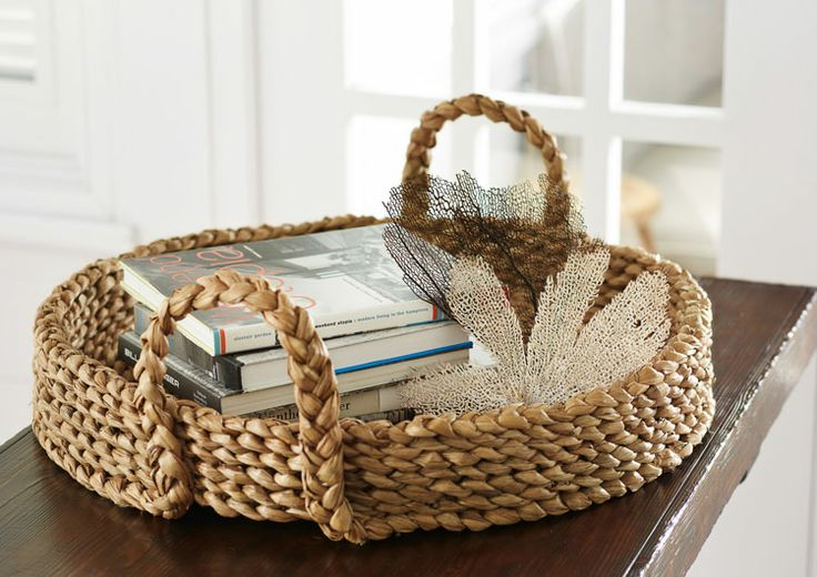 I love the braided basket, baskets are such a great way to create that Coastal Look, so simple and so attractive