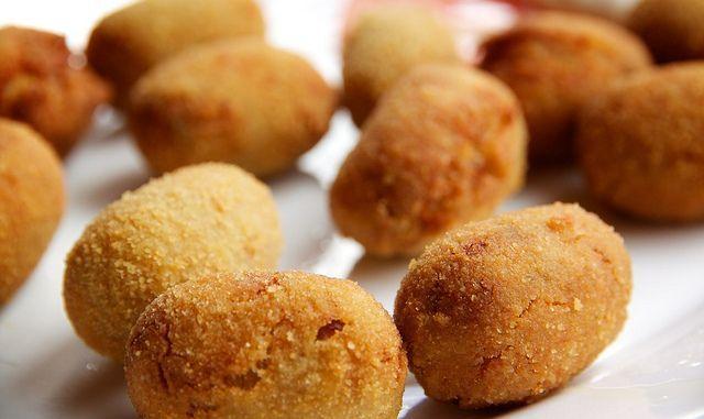 Croquetas al horno: http://croquetas-al-horno.recetascomidas.com/