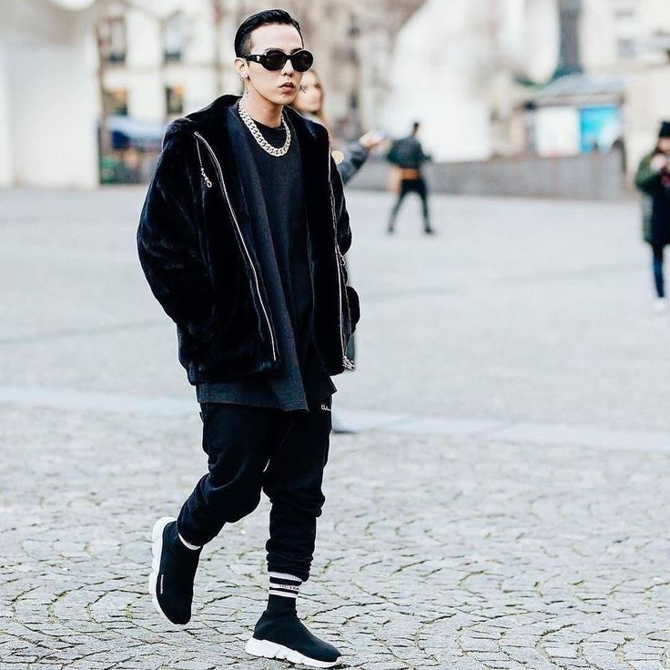 best 25 balenciaga mens trainers ideas on pinterest balenciaga arena balenciaga sneakers and. Black Bedroom Furniture Sets. Home Design Ideas