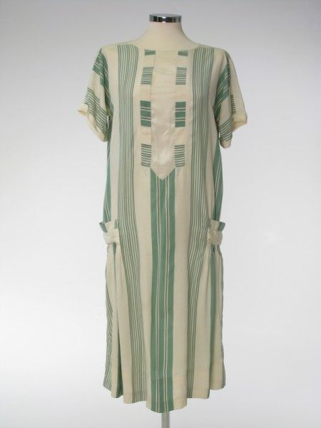 """1927-28 English silk day dress. Here's one of those hard-to-find extant day dresses. Being of silk, it was a """"better"""" dress than the cotton house or porch dresses, and may have been preserved as a favorite."""