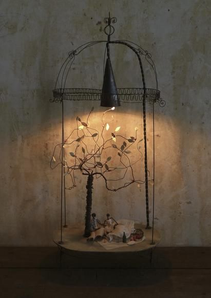 37 best fil de fer images on pinterest wire sculptures iron and sculpture. Black Bedroom Furniture Sets. Home Design Ideas