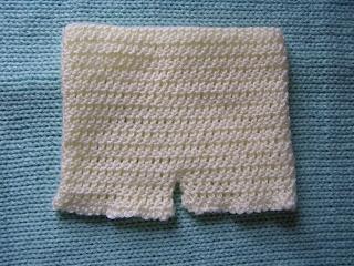 Little Baby Shorts free crochet pattern