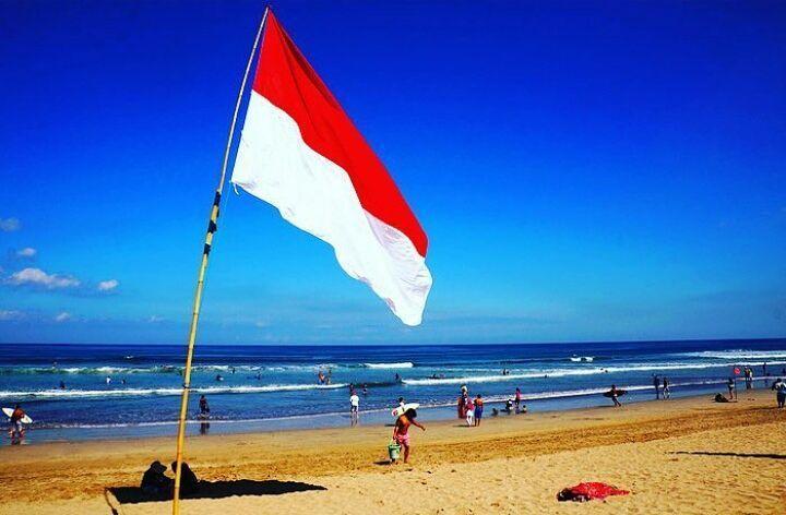 Happy 72nd Independence Day Indonesia. MERDEKA!  @balisilverlining @pouledeluxebali @thejoglo @kaianaspa @deyadesign @paulropp @artturo @madeswarungamsterdam #milos @pabloscanggu @raymondbali @luca_s_pizza