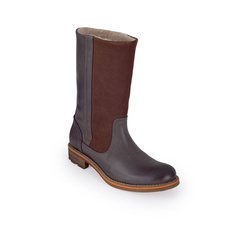 A women's boot made to keep your feet warm, dry and comfortable on cold winter days in the city.