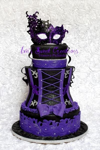 Masquerade Cake This is so awesome!!! I just HAD to share:) Wish I were this talented.. this would be wayyy cooler if it was hot pink n black!! LOL
