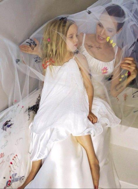 people magazine angelina jolie wedding | ... Brad Pitt E Angelina Jolie: ecco le FOTO mai viste del magazine HELLO