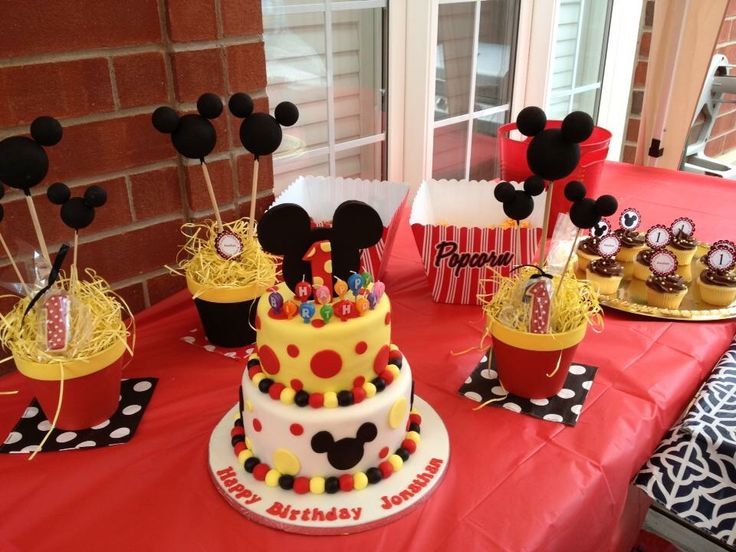 Mickey Mouse Decor  #madewithlovebyjen