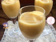 la crema zabaione bicchiere è un dolce velocissimo da preparare. Può essere gustato da solo o per accompagnare torte.