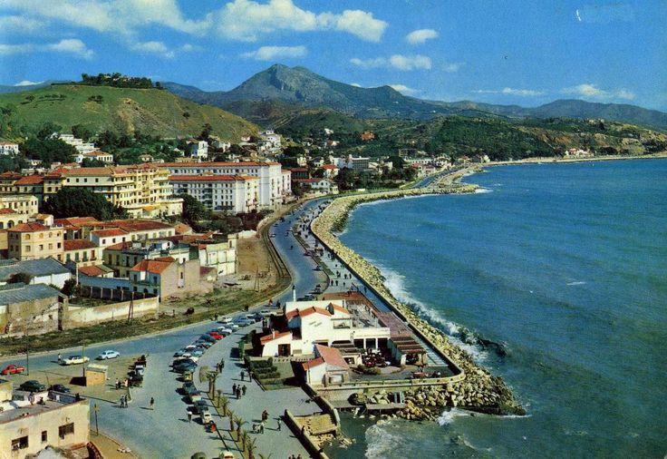 Paseo Marítimo de Málaga (Años 60). En primer plano Restaurante Antonio Martín