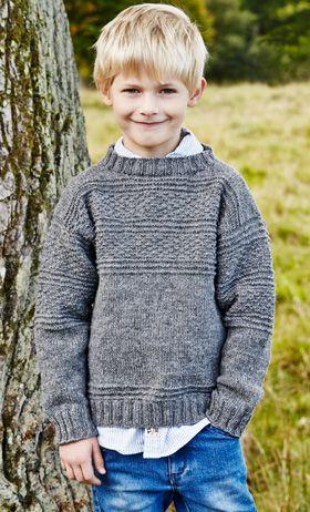 Gratis strikkeopskrifter: En rigtig klassiker - en ensfarvet sømandssweater med strukturstriber går aldrig af mode