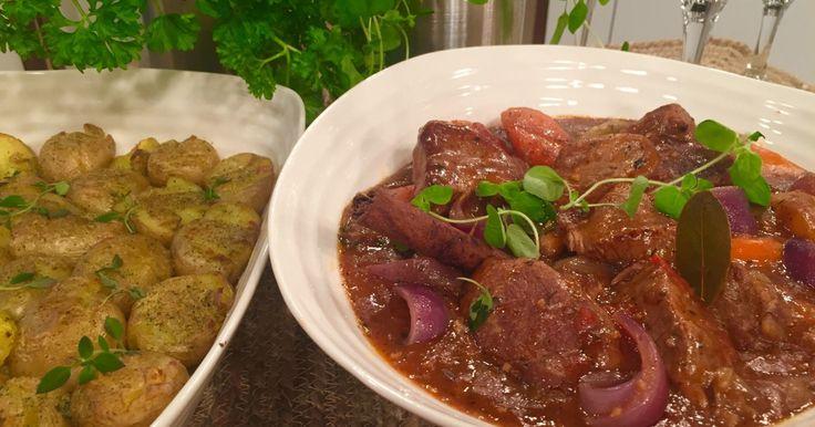 Wenches lammegryte med ovnsbakte poteter er den perfekte helgemiddagen.