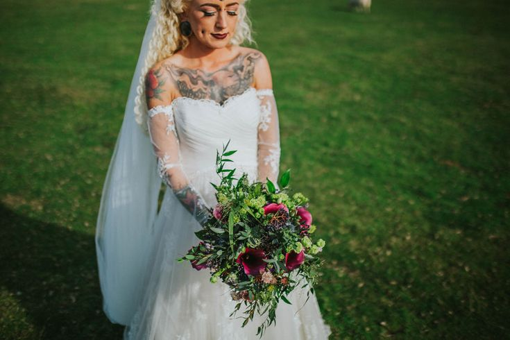 As soon as they got engaged, Morgan and Sam decided that a Halloween wedding would be their absolute dream. They wanted to include the dark horror side and also the warm coloured, Autumnal side of Halloween. The wedding was held at Reynoldston Village Hall on October 31st.