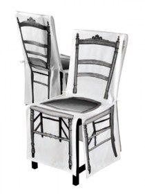 Coprisedia 4mek Bois in 100% cotone, France Coprisedia in 100% cotone biologico. Decoro stampato digitalmente su tutti i lati della sedia. Rivestimento con fiocchetti di chiusura sul retro sedia. Colore bianco e nero. Lavabile a 40°C in lavatrice. Made in France Dimensioni della sedia da coprire: -Seduta: 44x35xH46cm -Schienale da terra:H86x 44cm larghezza