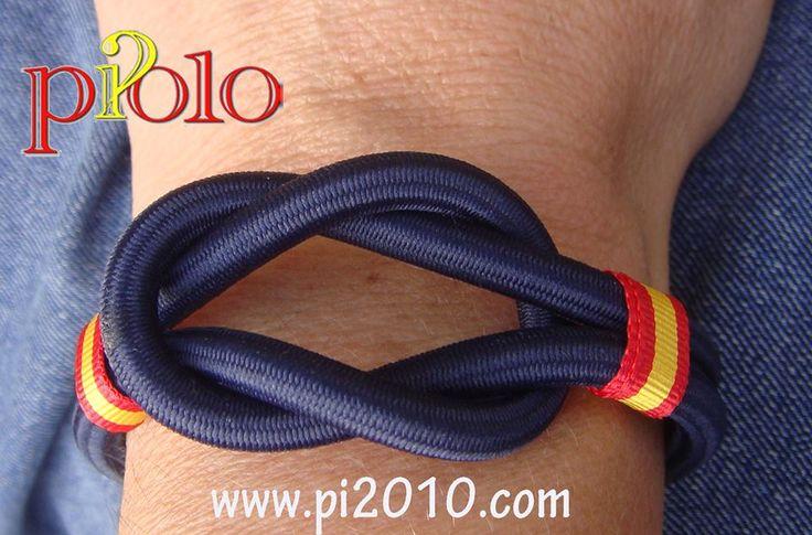 Pulsera nudo marino nylon http://www.pi2010.com/pulsera-bandera-españa/Pulsera-españa-nudo-simple-marino #pulseranauticaEspaña #pulseraEspaña #hechoamanoenEspaña  Si te gusta, comparte