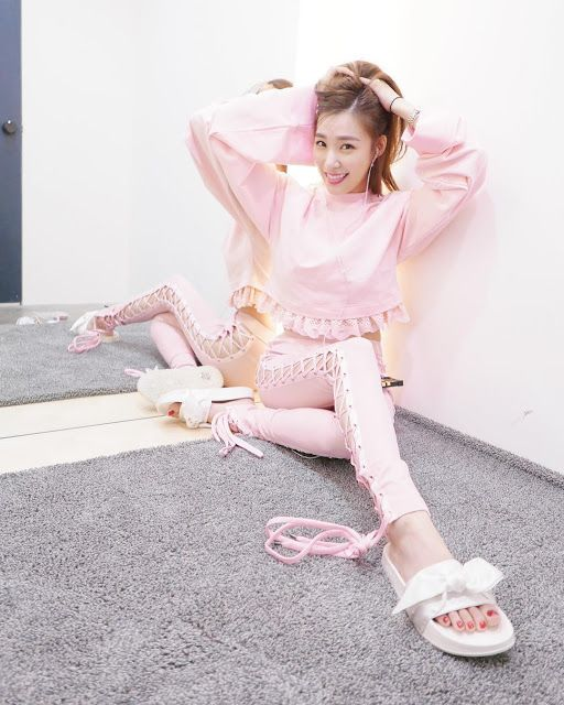 See the pink updates from SNSD Tiffany ~ Wonderful Generation ~ All About SNSD, Wonder Girls, and f(x)