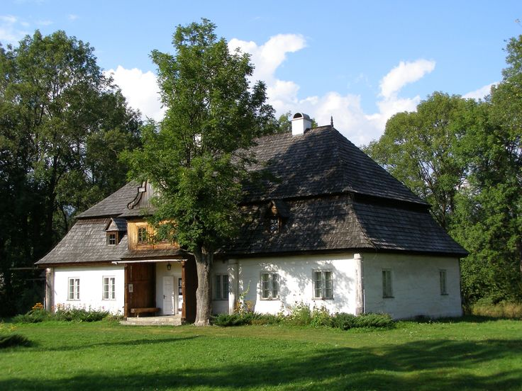 #dworek #poland #polska love this architecture would love to build a house like this here in Canada