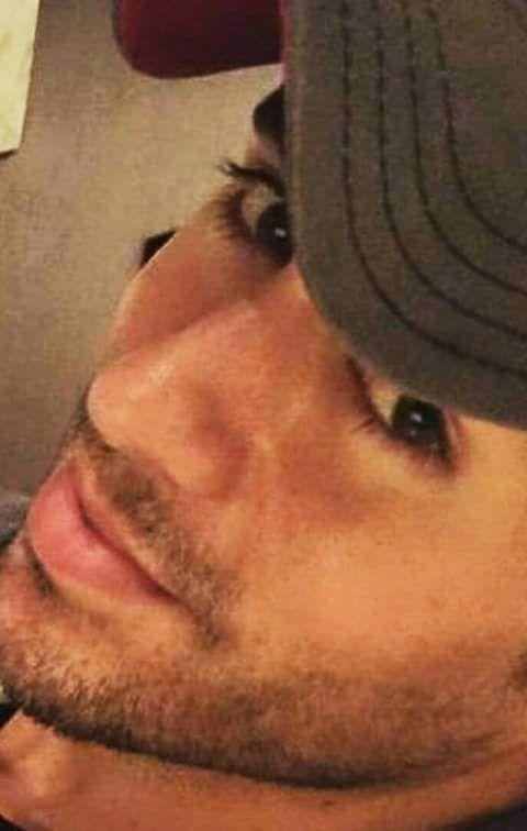 Enrique Iglesias, beautiful lips