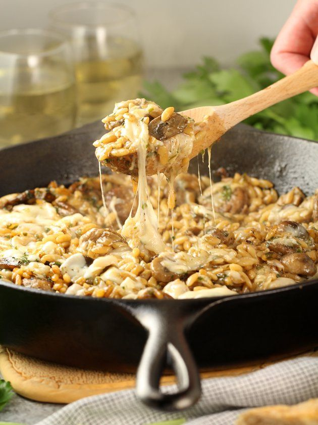 Marsala #Chicken Orzo Skillet - with butter, mushrooms, chicken sausage, orzo pasta, sweet Marsala wine, chicken stock.  Ready in less than 30 minutes!  https://tasteandsee.com via @h_tasteandsee