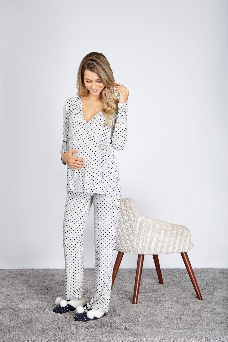Pijamas funcionais, confortáveis e lindos para uma maternidade especial em todos os momentos. O fechamento de cordão transpassado traz conforto a peça e auxilia na amamentação. #maternidade #mamaeanyany