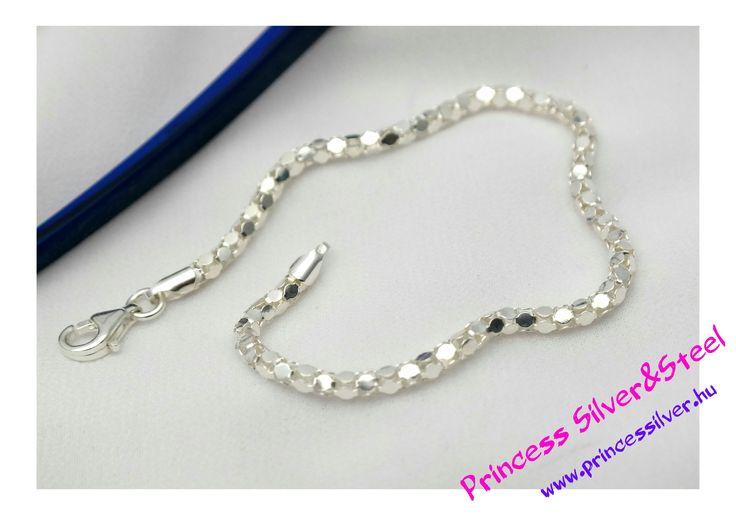 Mámor ezüst karlánc.  www.princessilver.hu