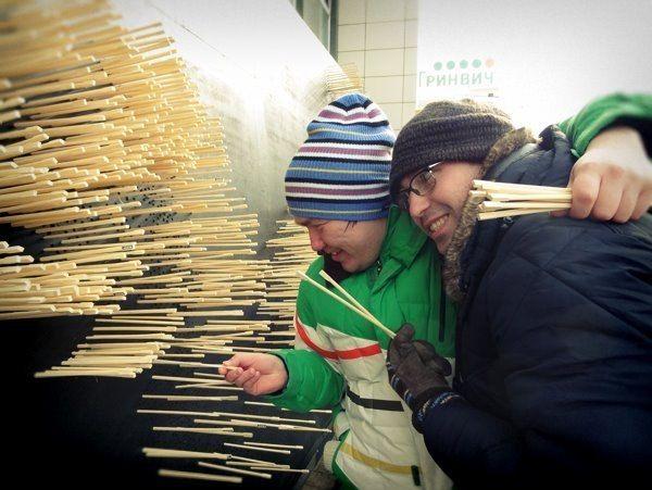 10,000 Chopsticks Form Huge Mythological Dragon - My Modern Metropolis