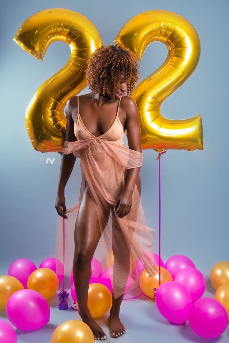 #happy #birthday to @fitfatma turning 22 today 🎉 | 📸 by @jegorius #bday #celebration #balloons #color #gold #pink #nice #visuals #nicevisuals #art #dress