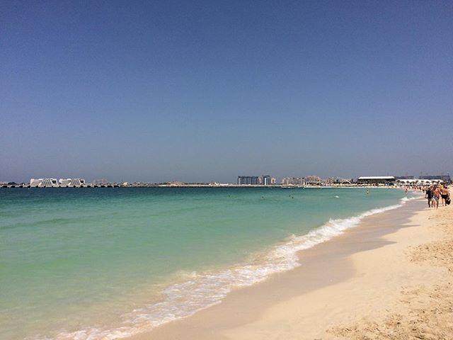 Mittagspause am Strand genießen ☀️. #dubai #mydubai #visitdubai #uae #orient #beach #sun #summer #happy #enjoy #travel #travelgram #mittagspause by (mbiii11). happy #enjoy #visitdubai #mittagspause #travelgram #dubai #travel #beach #summer #orient #uae #sun #mydubai