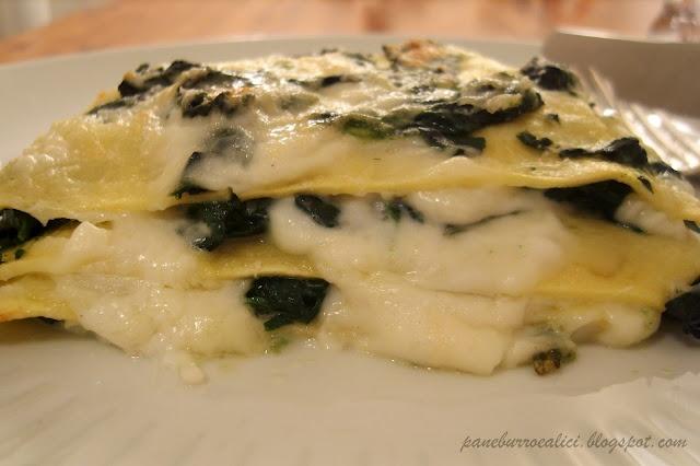 """Lasagnetta aperta """"delicata"""" con burrata ed erbette"""