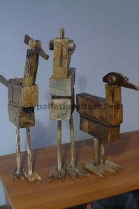 Sculptures d'oiseaux réalisés avec des blocs de palettes et planches