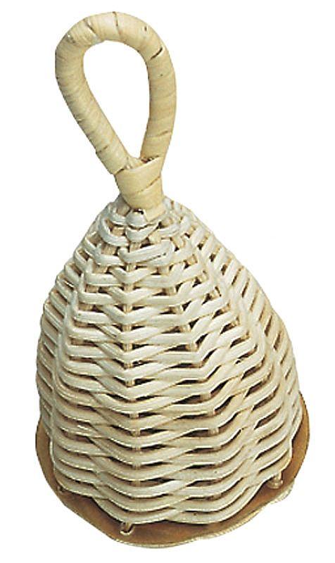 De NINO Caxixi produceert een helder geluid.       Het materiaal is van gevlochten rotan met een hard natuur vel in de onderkant.    Caxixi wordt uitgesproken als ca-shi-shi.    Voor dans- en zangspelletjes een zeer veelzijdig product. Geliefd bij kinderen.    Afmeting (bij benadering): 13 cm hoog, diamer 6,5 cm