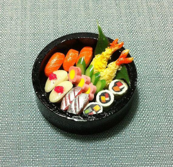 Round.... Sushi set, Food, Japanese sushi