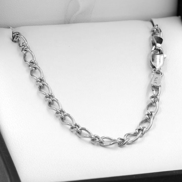 Buy our Australian made 55cm Sterling Silver Oval Figaro Chain Necklace - SN-OF81 online. Explore our range of custom made chain jewellery, rings, pendants, earrings and charms.