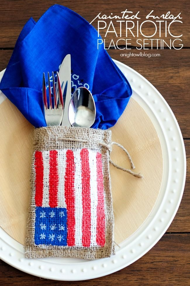 A DIY Painted Burlap Patriotic Place Settings we can use in celebration and remembrance of Independence day on July 4!