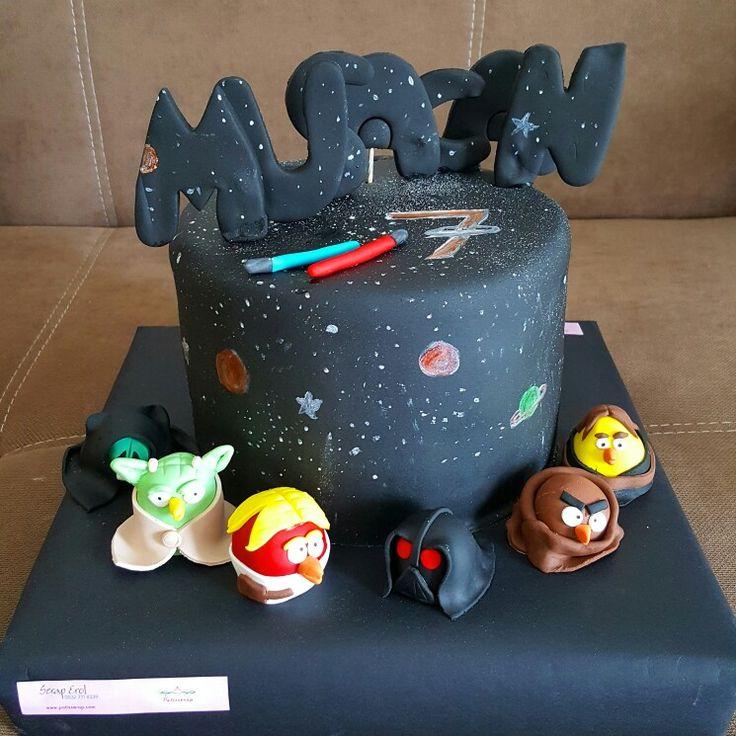 Starwars angrybird cake