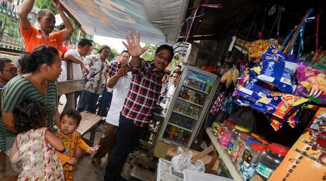 Jakarta - Calon Wakil Gubernur DKI Jakarta Djarot Saiful Hidayat menyayangkan demo 4 November yang semula damai, berujung ricuh. Dia pun me...