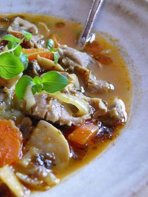 Potrawka/zupa z żołądków drobiowych z warzywami