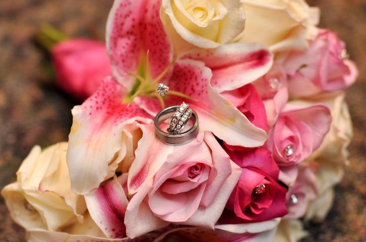 wedding flowers & rings